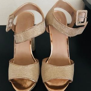 Mix #6 Gold Glitter block heel size 8 1/2
